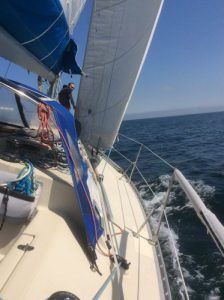 Apprendre la voile sur un voilier de croisière